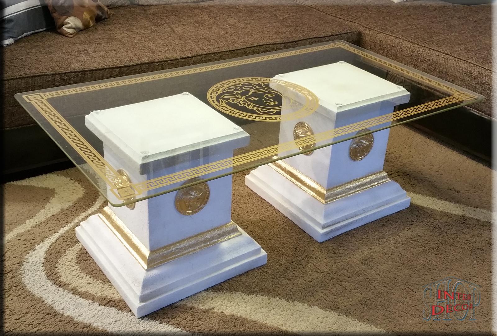 Designer Couchtisch   Säulen Aus Stuckgips   Farbe Weiß Patiniert Mit  Golddekor   Versace